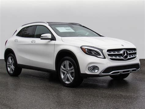 Advanced safety features, luxury interior design, and more awaits you within this premium suv. New 2020 Mercedes-Benz GLA GLA 250 AWD 4MATIC®