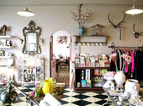 Vintage Salon Decor Ideas by 复古服装店面设计图 土巴兔装修效果图
