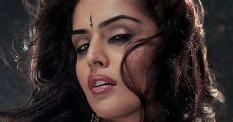 nathalia kaur extremely spicy stills from item song in department