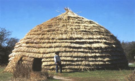 native american indian grass house native american feathers houses  pictures treesranchcom