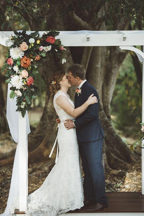 colourful sunshine coast country property wedding near nambour