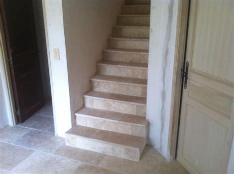 2012 04 escaliers en escaliers recouvert marche contre marche en de travertin