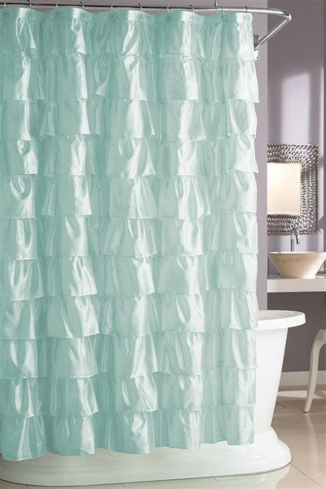 curtains give your bathroom look with fancy