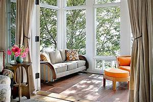 Spectacular sunrooms that welcome the outdoors for Sun porch furniture ideas
