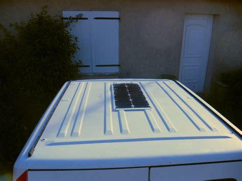 panneaux solaires pour batterie voiture