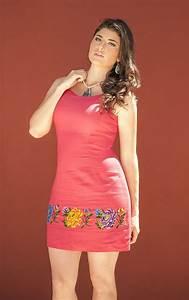 vestido de lino rojo con bordado en punto de