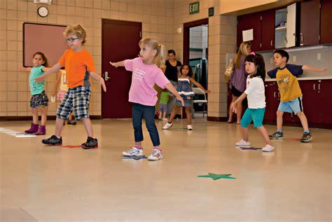 Curtain Dancers by Kids Dance Images Usseek Com
