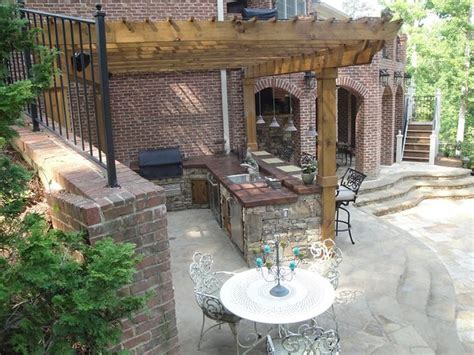 Backyard Bar And Grille by Outdoor Kitchen Bar And Grill Traditional Patio