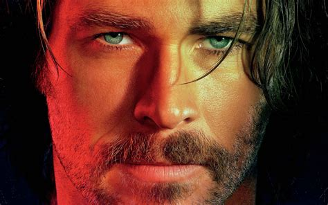bad times   el royale  chris hemsworth  hd