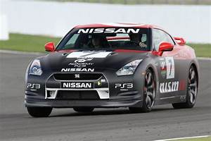Location Nissan Gtr : nissan gtr at silverstone race track picture of silverstone challenge silverstone experience ~ Medecine-chirurgie-esthetiques.com Avis de Voitures