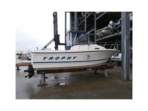 Fishing Boat For Sale Devon by Bayliner Trophy 2052 Fd In Devon Fishing Boats Used