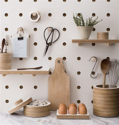 easy kitchen decor upgrade    pegboard food