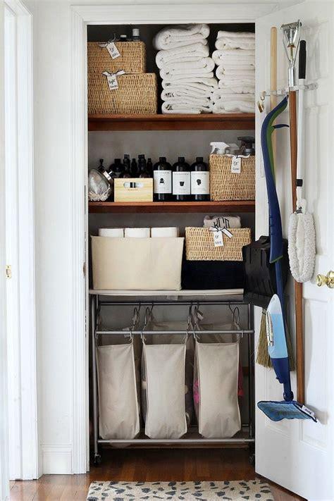 Bathroom Closet Organization Ideas by Best 25 Linen Closets Ideas On Bathroom
