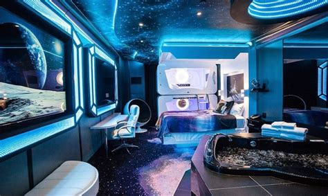 space themed hotels suites    earth