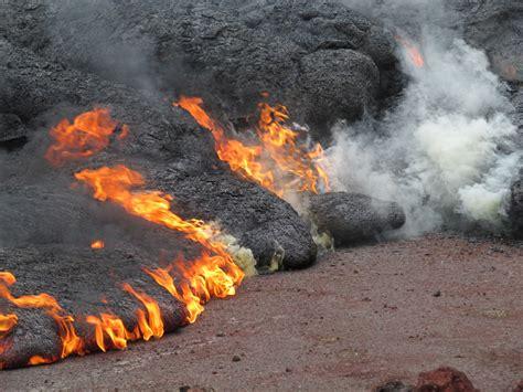 lava flow update monday nov 10