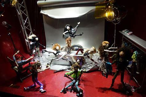 vitrine galerie lafayette no 235 l 2011 atelier nils rousset
