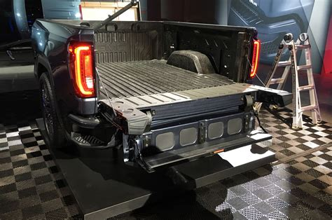 2019 gmc new tailgate one of the coolest features of the 2019 gmc is its