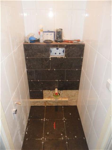 toilet tegels rotterdam zwevend toilet plaatsen klus voorbeeld toilet