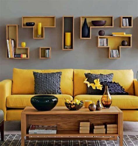 canapé deux places cuir la couleur jaune moutarde nouvelle tendance dans l