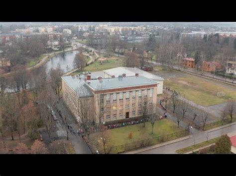 Skolas apskāviens |Valmieras 5.vidusskola - YouTube
