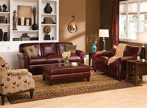 Living Room Paint Colors With Burgundy Furniture by Image Result For Gold Walls With Burgundy Leather Mixed