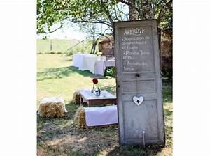 mariage champetre elle decoration With peindre porte 2 couleurs 17 decoration de mariage avec du bois mariage idees