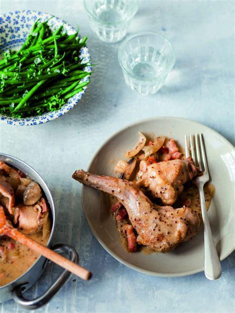 cuisiner le lapin à la moutarde recette de lapin à la moutarde par julie andrieu