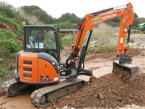midi diggers   acland plant hire