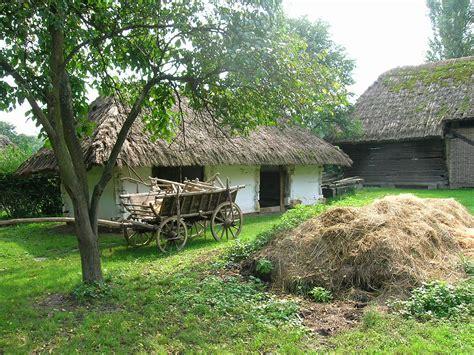 Filegocsej Village House Backyard 2jpg  Wikimedia Commons