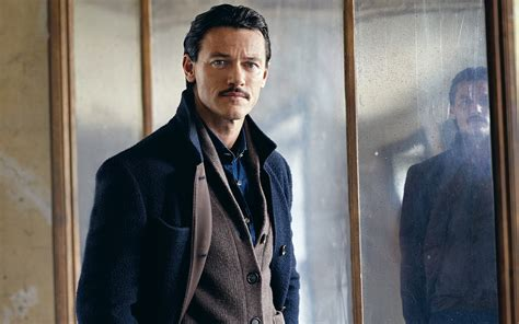 8 Hd Luke Evans Wallpapers