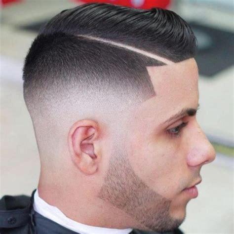 coupe de cheveux homme avec un trait passions photos