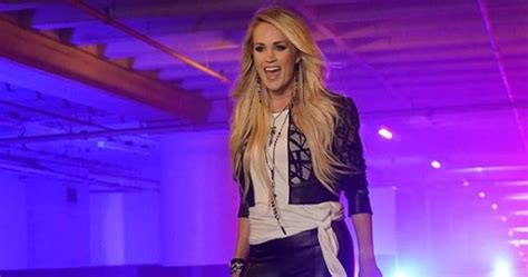 carrie underwood joined  nfl players   snf