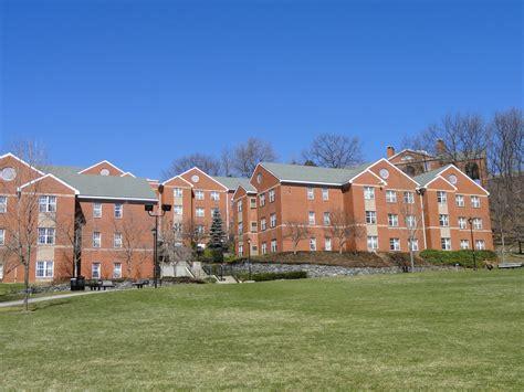 bentley college file dormitories bentley university dsc00334 jpg