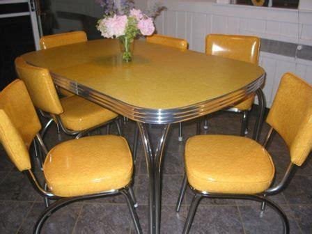 big     dinette set   kitchen retro