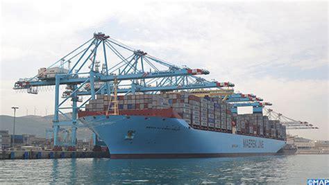 le plus grand port de le plus grand porte conteneurs au monde fait escale au port tanger med bouyafar