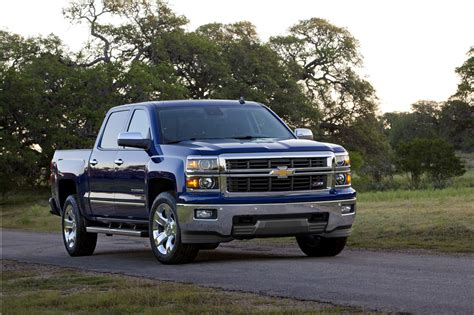 chevrolet silverado photo gallery autoblog