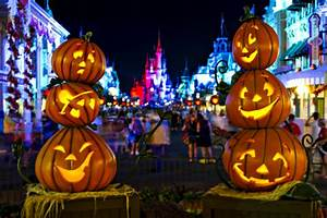 Halloween In Amerika : 2015 mickey 39 s not so scary halloween party photos decorations ~ Frokenaadalensverden.com Haus und Dekorationen