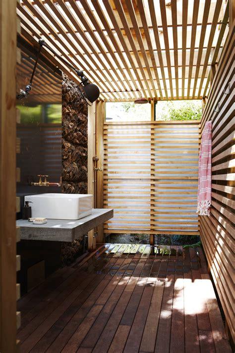 Outdoor Beach House Bathroom