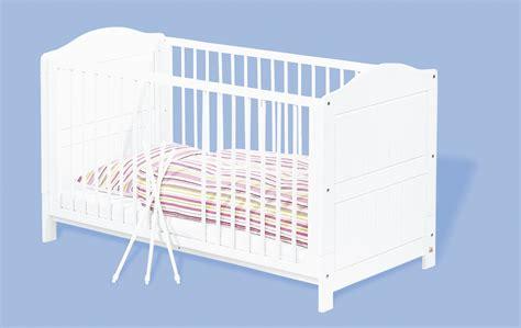 chambre bébé lit commode pinolino chambre bebe lit commode armoire pin massif