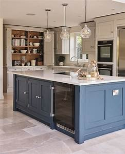Kitchen trends 2018 the experts predict the luxpad for Kitchen cabinet trends 2018 combined with sticker request