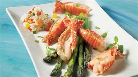 cuisiner langoustine langoustines sur nid d asperges recettes iga fruits de