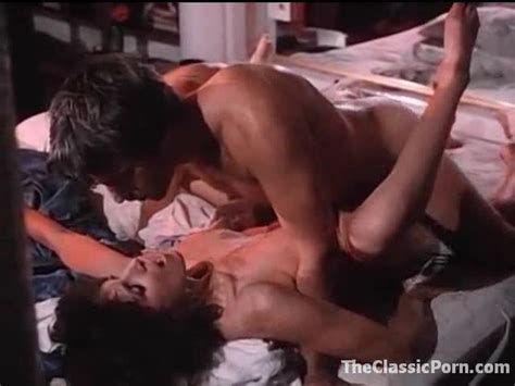 Fucking Her Retro Pussy In Missionary Vintage Porn