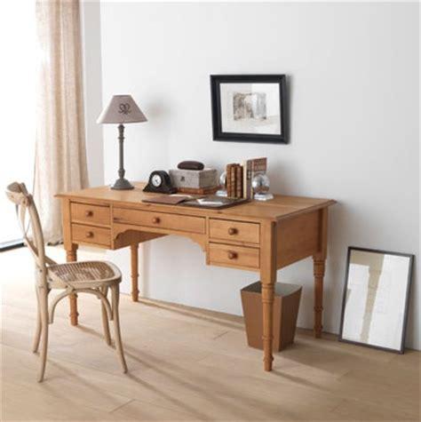 le de bureau en bois petit bureau en bois photo 1 5 ici le bureau dispose
