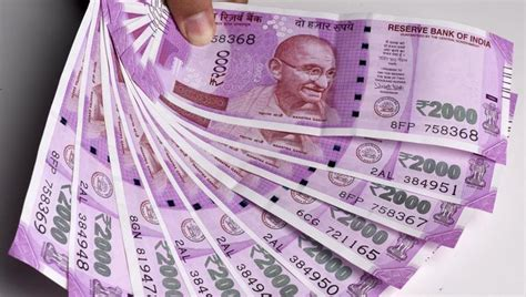 fake rs  notes seized heres  similar    real currency delhi news