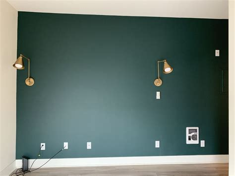 painted  accent wall  benjamin moore tarrytown green