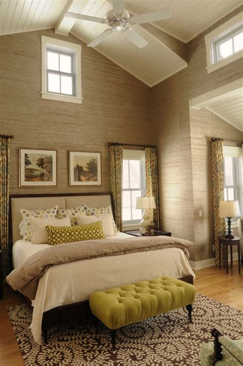 vaulted ceiling master bedroom 33 stunning master bedroom retreats with vaulted ceilings 17710