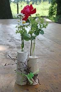 Tischdeko Mit Holz : eine vase aus birken blumen idee tree decorations wood crafts und vase ~ Eleganceandgraceweddings.com Haus und Dekorationen