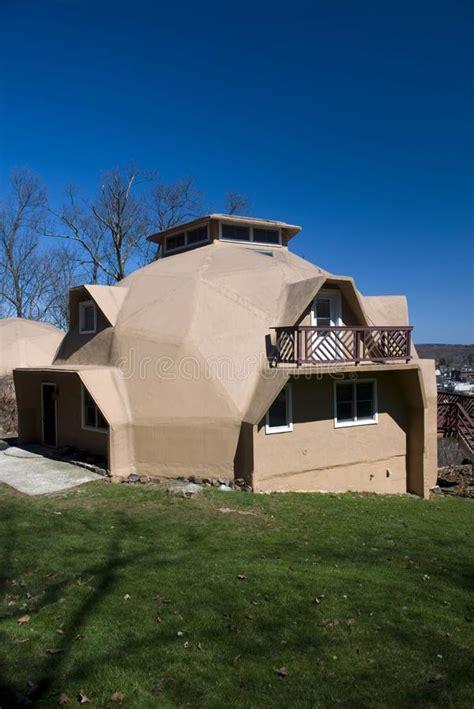 casa cupola geodetica della cupola geodetica immagine stock immagine di