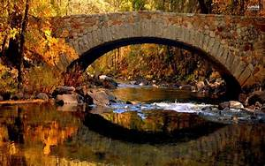 Stone Bridge In The Fall Wallpaper