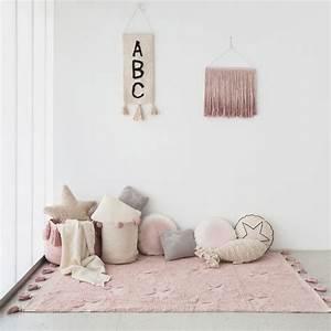 Tapis Chambre Bébé Fille : tapis lavable hippy stars vintage rose naturel chambre bebe fille lorena canals ~ Teatrodelosmanantiales.com Idées de Décoration